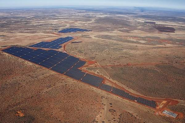 The 96MW Jasper solar power project is located in Northern Cape Province near Kimberly in South Africa. Image: courtesy of SolarReserve.