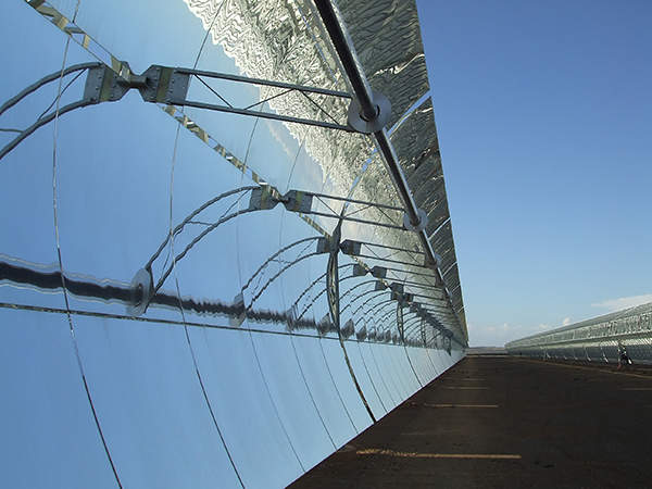 Solana concentrating solar power plant will produce first power in August 2013.