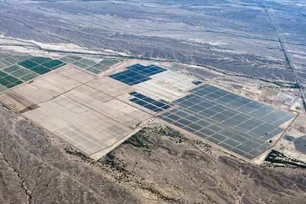 Agua Caliente Solar farm is located in the east of Yuma County, Arizona, US.
