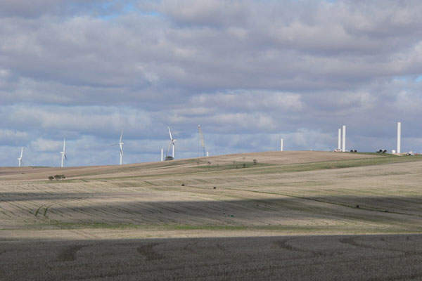 Clements Gap wind farm is located in Barunga Ranges of South Australia. Image courtesy of Fairv8.