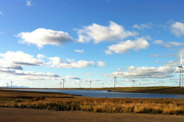 Whitelee wind farm of Scotland is the largest on-shore wind facility in Europe. Image courtesy of Bjmullan.