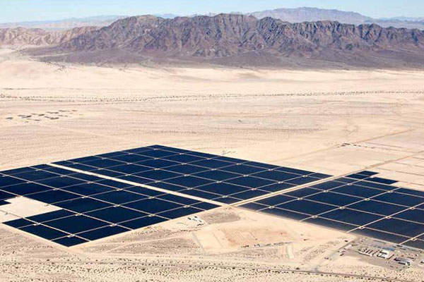 Desert Sunlight Solar Farm is equipped with approximately eight million FirstSolar Series 3 Cadmium Telluride (CdTe) thin-film PV modules. Image: courtesy of E Light Wind and Solar.