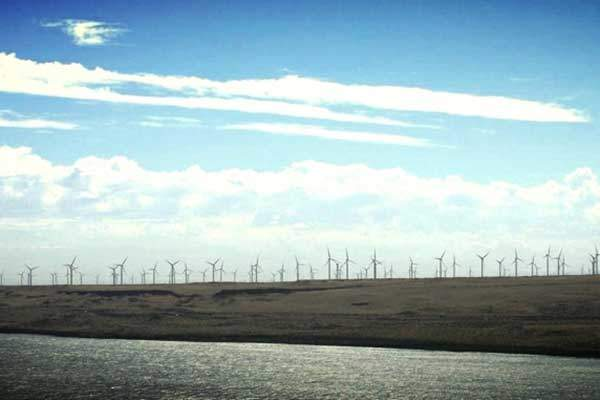 The 845MW Caithness Shepherds Flat wind farm is the world's second biggest wind farm. Image: courtesy of US Department of Energy.