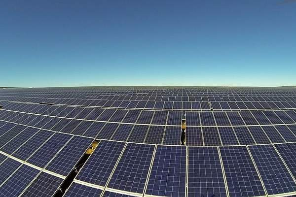 With more than 325,000 PV panels, it is the biggest solar power plant in Africa. Image: courtesy of SolarReserve.