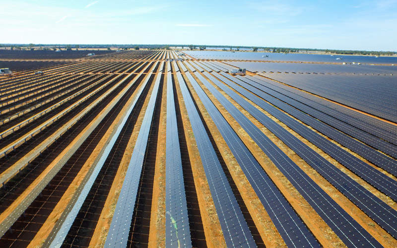 Australia's biggest PV solar plant is equipped with 1.35 million advanced cadmium telluride (CdTe) thin film photovoltaic (PV) modules supplied by First Solar. Image: courtesy of AGL.