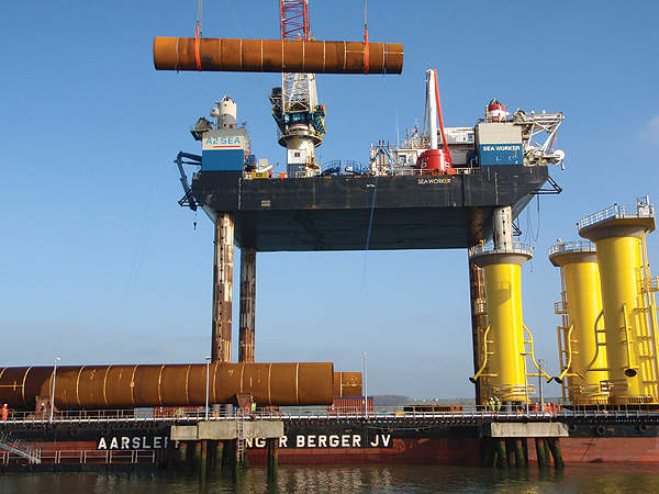 Aarsleff/Bilfinger Berger joint venture fabricated and installed the steel monopole foundations for the London Array offshore wind farm. Image courtesy of London Array Limited.