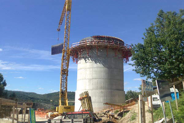 The concrete surge tank is 22.5m high and has an internal diameter of 11m.
