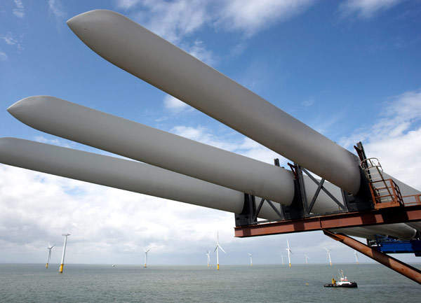 The turbine blades, nacelles, hubs and towers were carried to the offshore location in batches of three at a time.